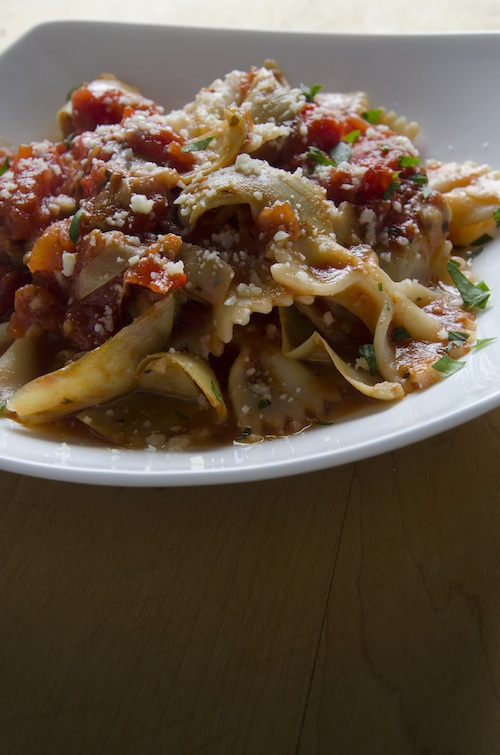 Farfalle Pasta with Artichoke Hearts and Tomatoes