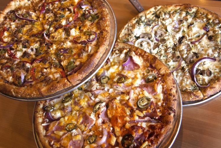 Fratelli Pizza 3_pies
