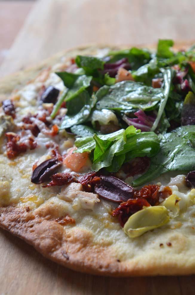 Sundried pizza salad