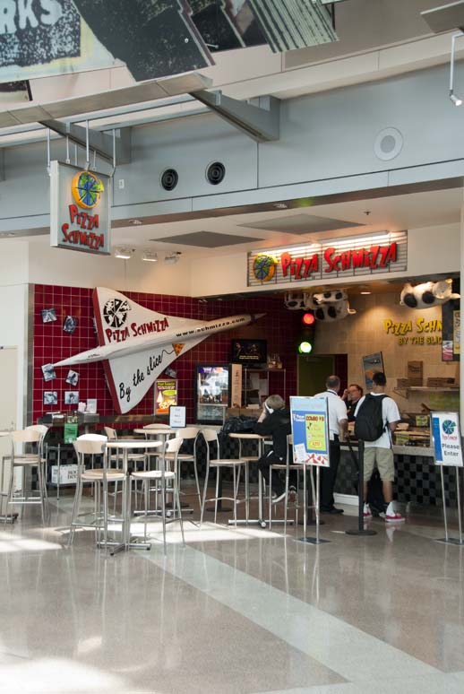 airport pizzeria, nontraditional location