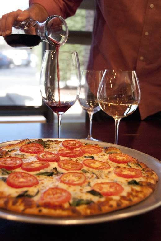 pouring, wine, pizza, upselling, tomatoes