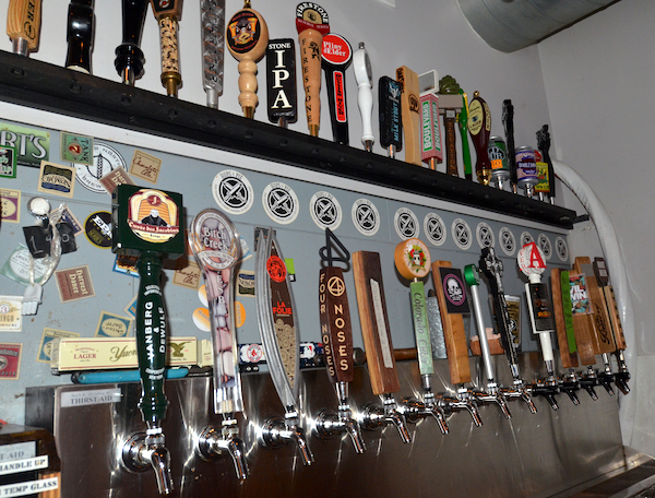 hops and pie beer taps