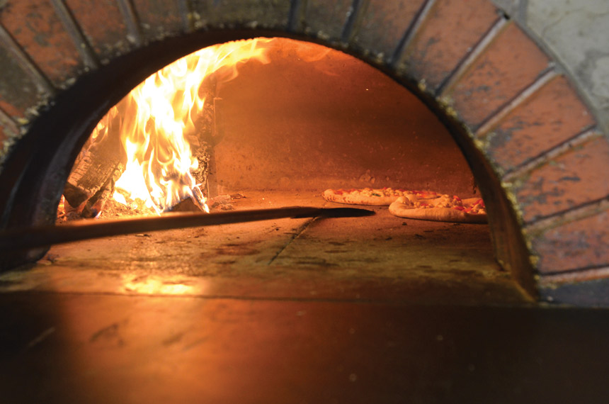 wood fired oven, pizza oven
